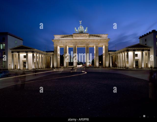berlin brandenburger tor blick von osten bei nacht stock photo royalty free image 4503287. Black Bedroom Furniture Sets. Home Design Ideas