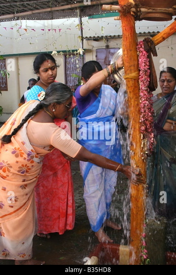 hindu single women in temple Are there any hindu temples in which only women can  how do you pray in a hindu temple  for being the single largest gathering of women for a religious.