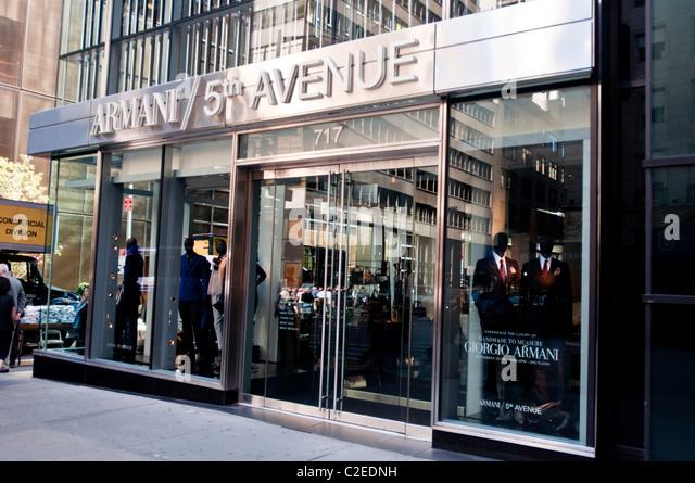 Giorgio armani luxury fashion designer store at fifth for Armani store nyc