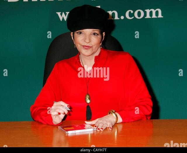Liza minnelli inside for liza minnelli live at the winter garden stock photo royalty free for Barnes and noble winter garden