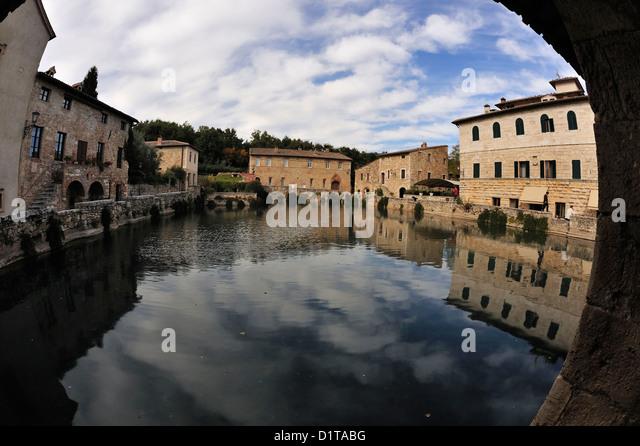 Bagno vignoni water square val d 39 orcia landscape siena - Bagno vignoni siena ...