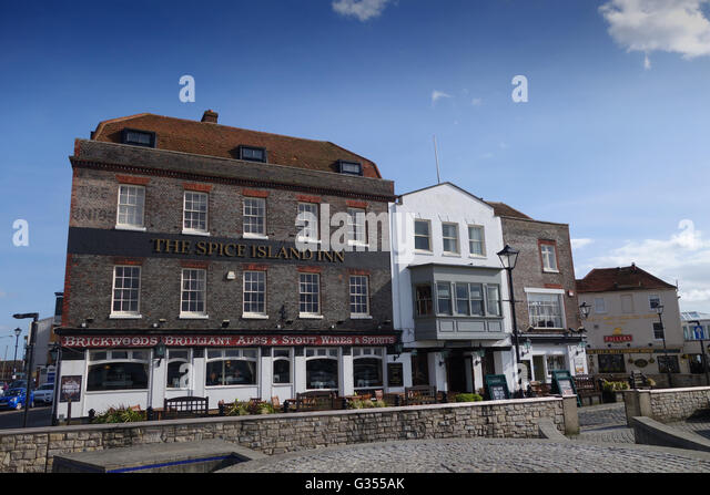 the spice island inn pub old portsmouth harbour in. Black Bedroom Furniture Sets. Home Design Ideas